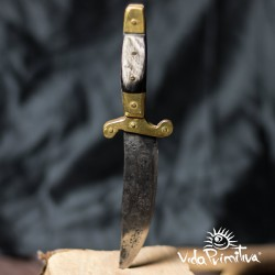 Cuchillo estilo Sastago